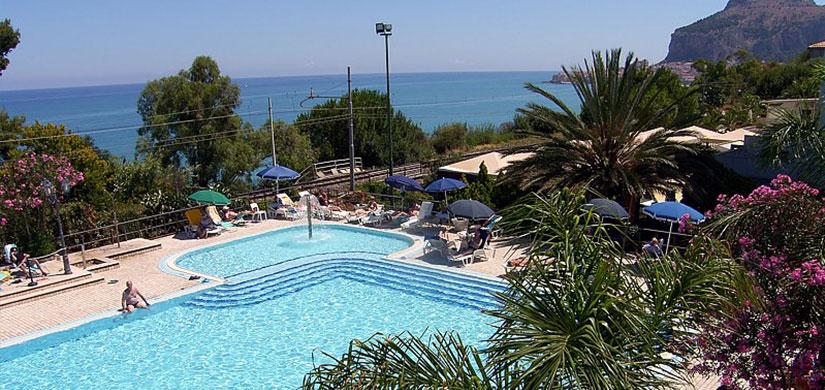 Hotel Villaggio Sabbie d'Oro 4*